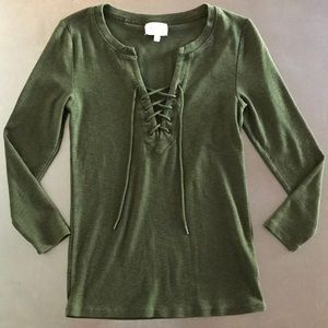 Deletta | lace up green top